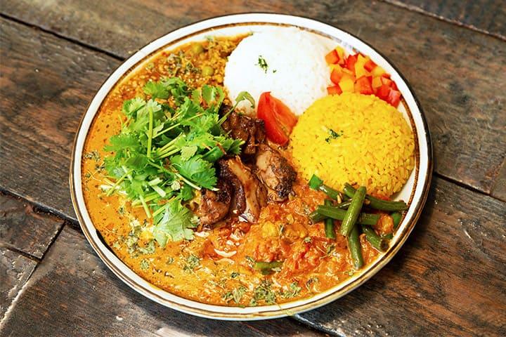 大阪的Khaos Spice Diner 午餐的香料咖喱