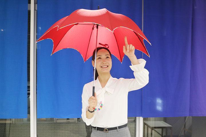 長崎の眼鏡橋のアーチをイメージした傘