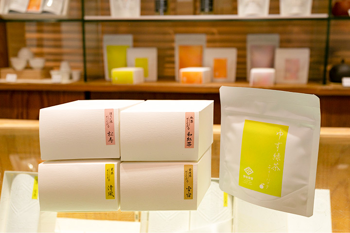煎茶、玄米茶,以及柚子风味茶