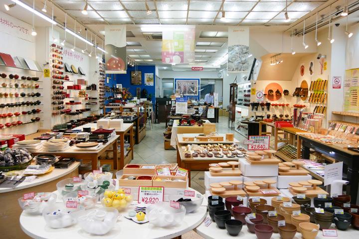 """要找艳丽漆器餐具和筷子就来""""大阪漆器"""""""